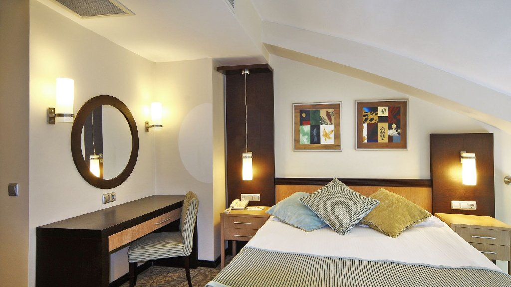 Hotel Royal Wings