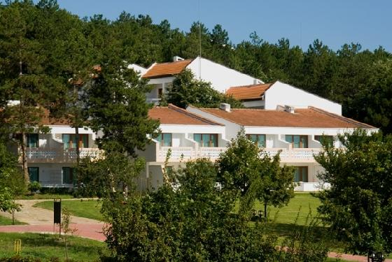 Hotel Holiday Village